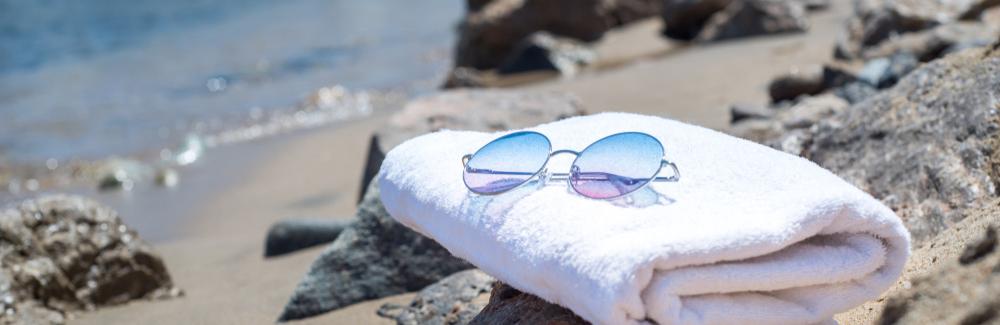 Bien choisir sa serviette de plage, le guide ultime