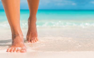 Prendre soin de ses pieds au retour de la plage : un indispensable!