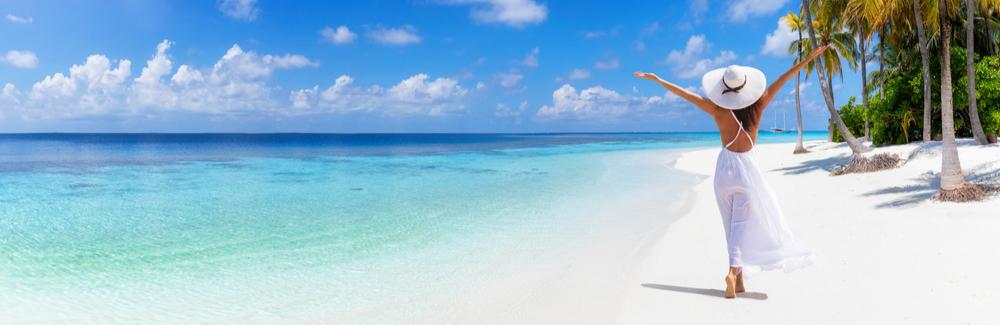 Pourquoi et comment choisir une robe de plage longue : 6 conseils utiles !